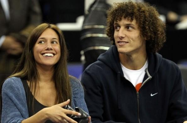 Давид луис с женой фото