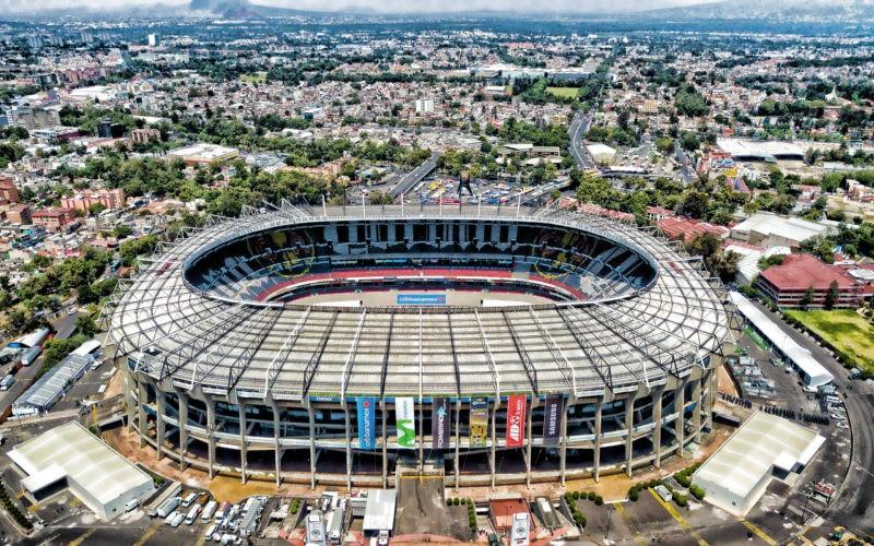ТОП-10 футбольных стадионов